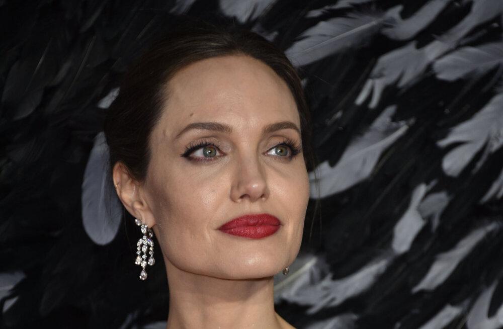 Angelina Jolie põgenes võtteplatsilt pommi eest