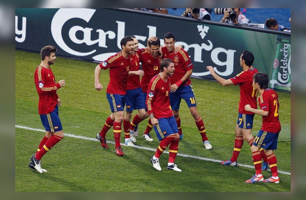 Hispaania on asunud EM-finaali juhtima, jalgpall