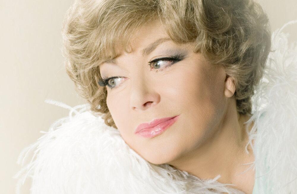 """Эдита Пьеха-80: """"Моя жизнь — это песни и города"""""""