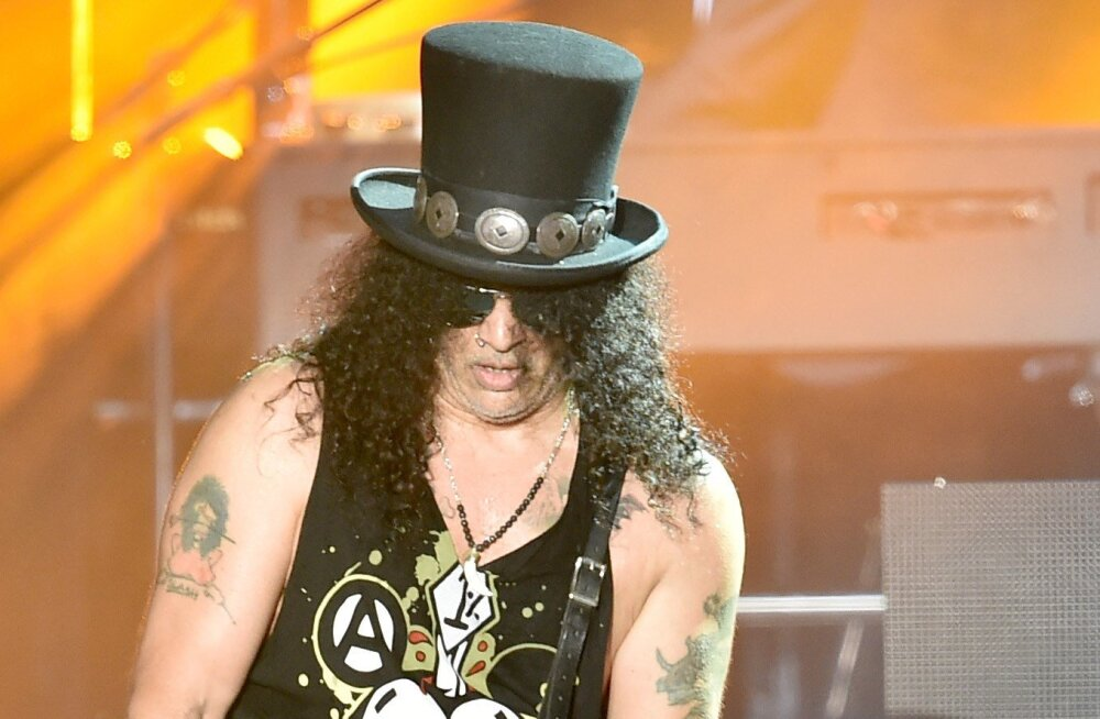 Legendaarne kitarrist Slash hülgab kuuks ajaks Guns N' Roses'i tuuri ja läheb hoopis enda bändiga kontserte andma