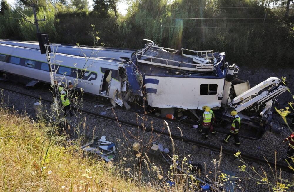 ВИДЕО | Скоростной поезд сошел с рельсов в Португалии, есть жертвы