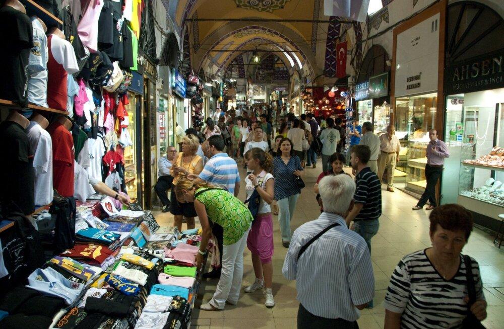 Reisifirma esindaja põhjendab kliendi negatiivset kogemust kultuuride erinevusega.
