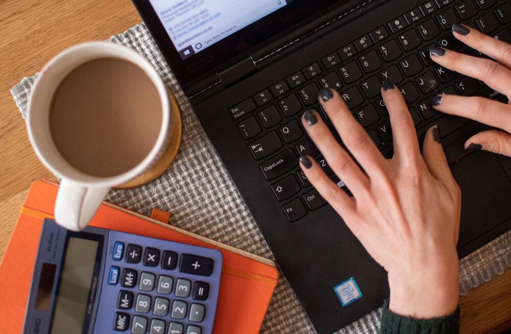 Uuring: üle poole tööandjatest jätkab lähikuudel kaugtööga