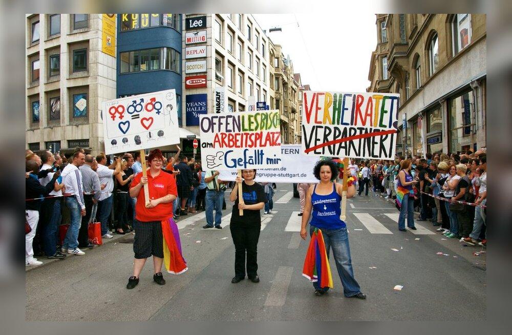 """Stuttgardi Christopher-Street-Day nädal lõppes poliitparaadiga """"Homod kapist välja!"""""""