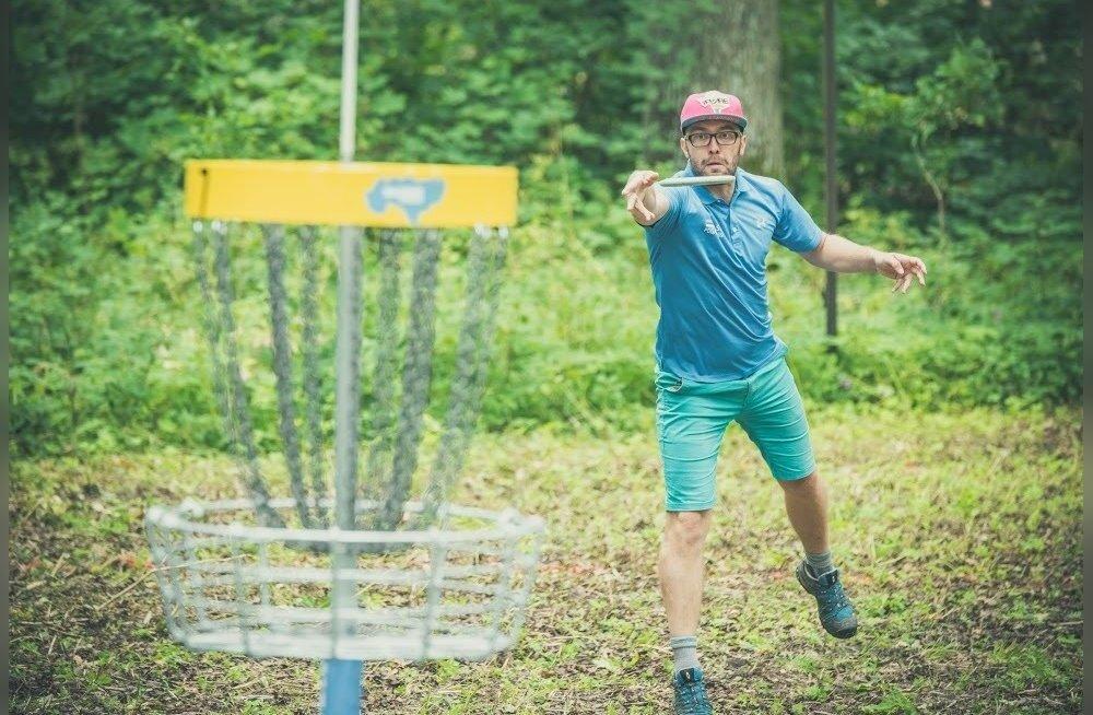 <em>Disc golf</em> – kättesaadavaim golf Eestis