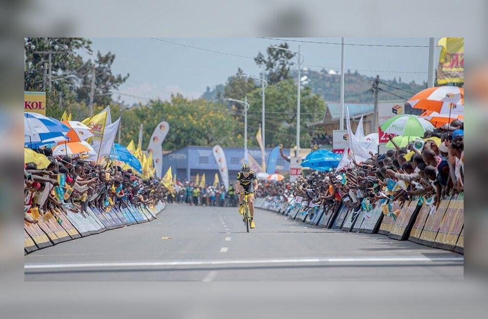 Rein Taaramäe finišeerimas Rwanda velotuuril