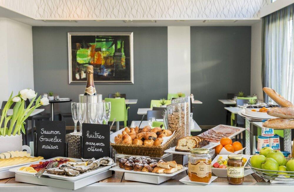 Hüvasti, Türgi ja Egiptuse kuurortide rikkalik <em>buffet</em>! Hotellidest kaovad Rootsi lauad, ilmselt ka toateenindus ja minibaar