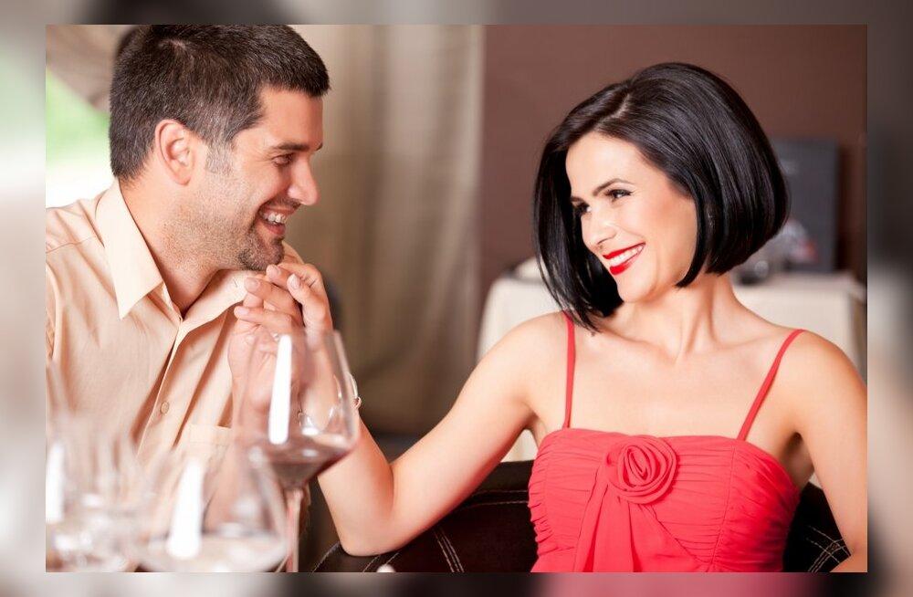 Mees jagab: pole midagi erutavamat kui oma naise nägemine koos teise mehega!