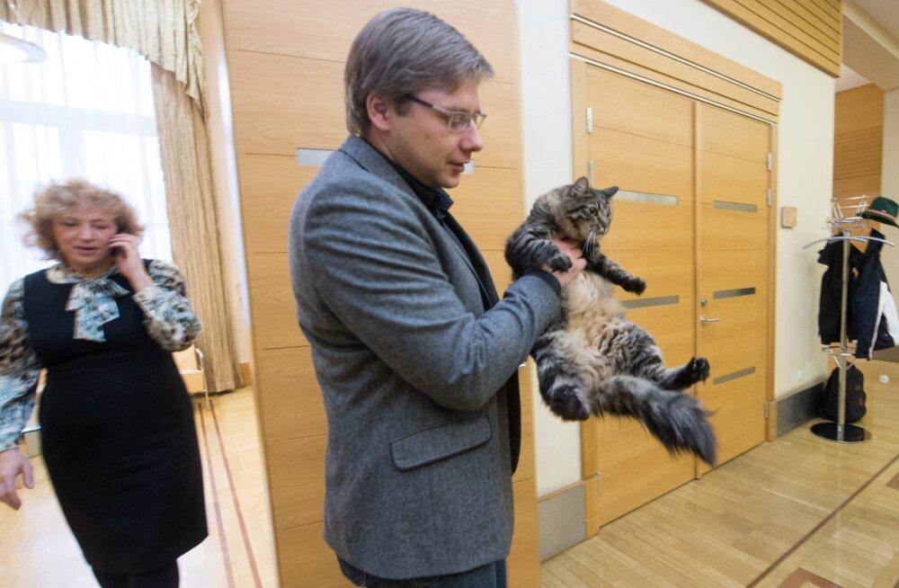 Riia linnapea Nils Ušakovs ja kass Kuzia