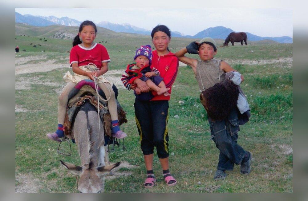 Kiirrännak üle Tian Shani ja Pamiiride