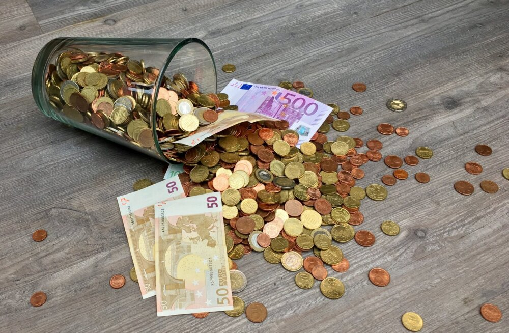 Kollase Maa Sea aasta: rahaseis on pilvitu! Ahvi arvele koguneb raha regulaarselt ja mitte just vähe