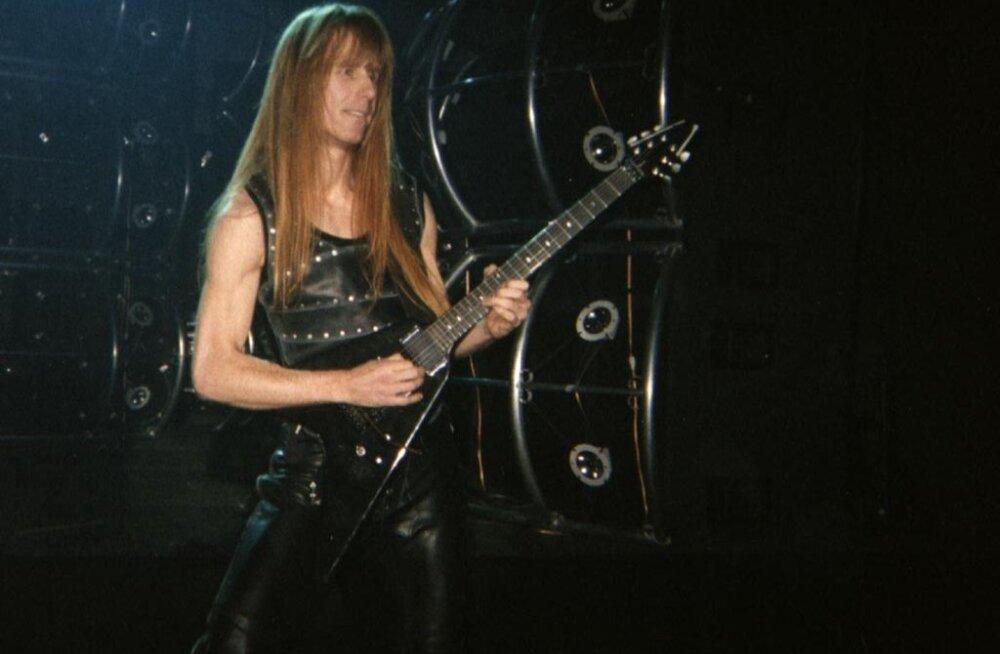 Rokimaailm on šokis: tuntud kitarristi Karl Loganit süüdistatakse lapsporno omamises