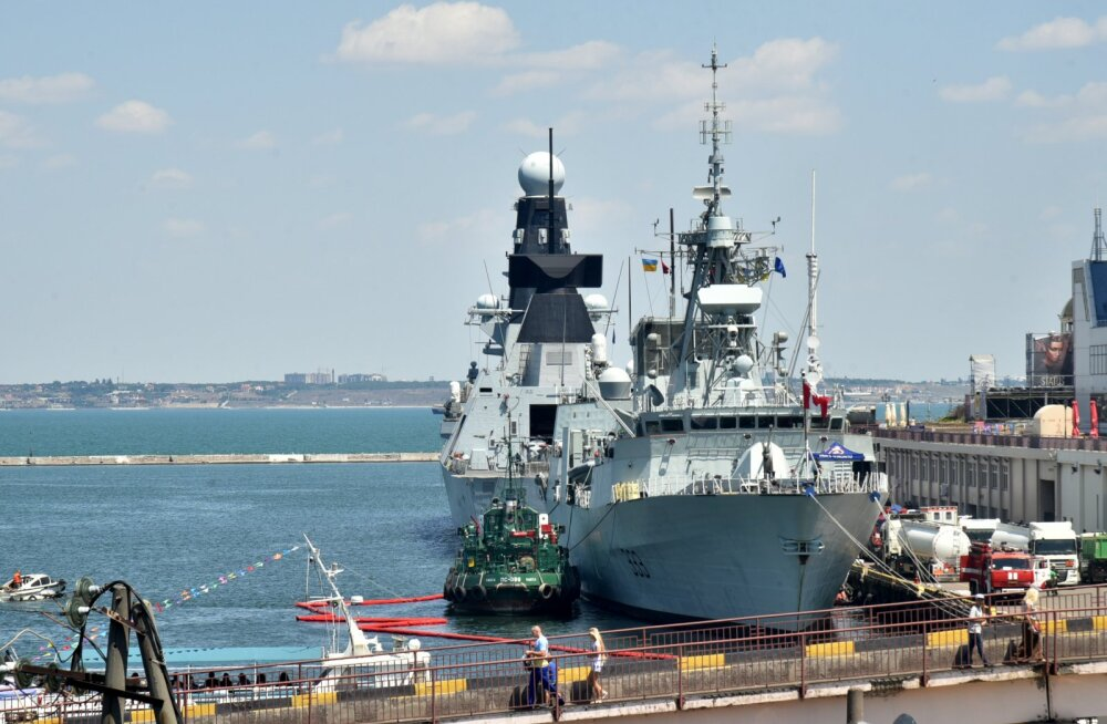 В Черном море параллельно проходят военные учения России и НАТО