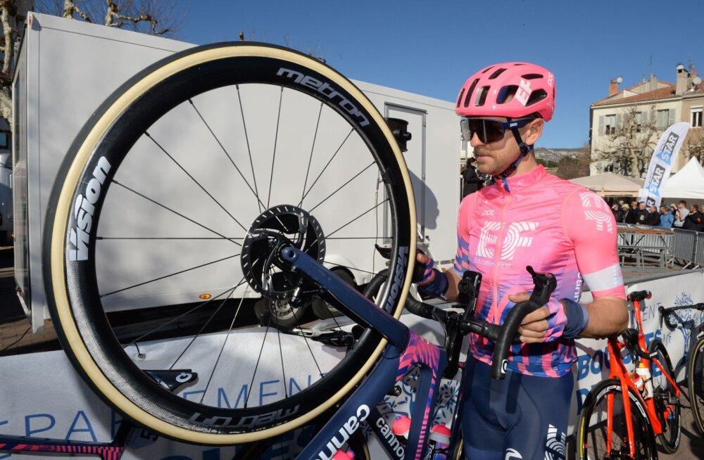 Tanel Kangert oli rahul, et ratturitel lubati laupäeval võistelda.