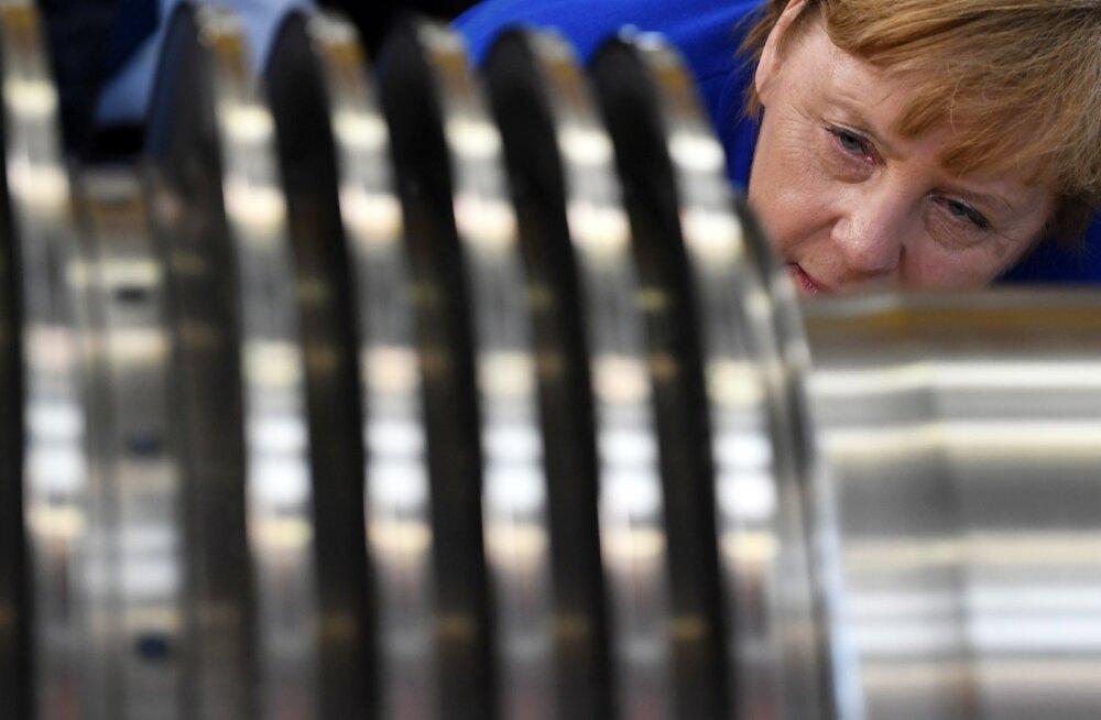 Angela Merkel 15. juulil Siemensi tehases