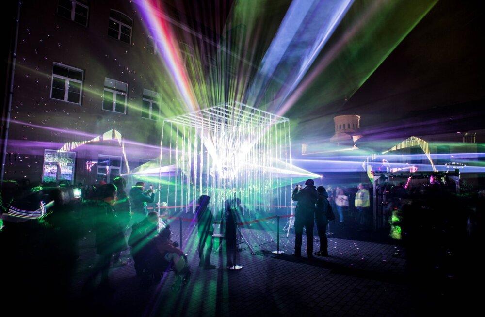 FOTOD JA VIDEOD | Vilniuses oli põnev nädalavahetus: toimusid suur valgusfestival ja turismimess