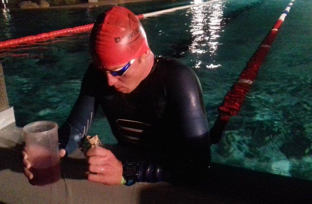 Kümnekordse ultratriatloni maailmarekordit jahtiv Ratasepp väljus basseinist kuuendana