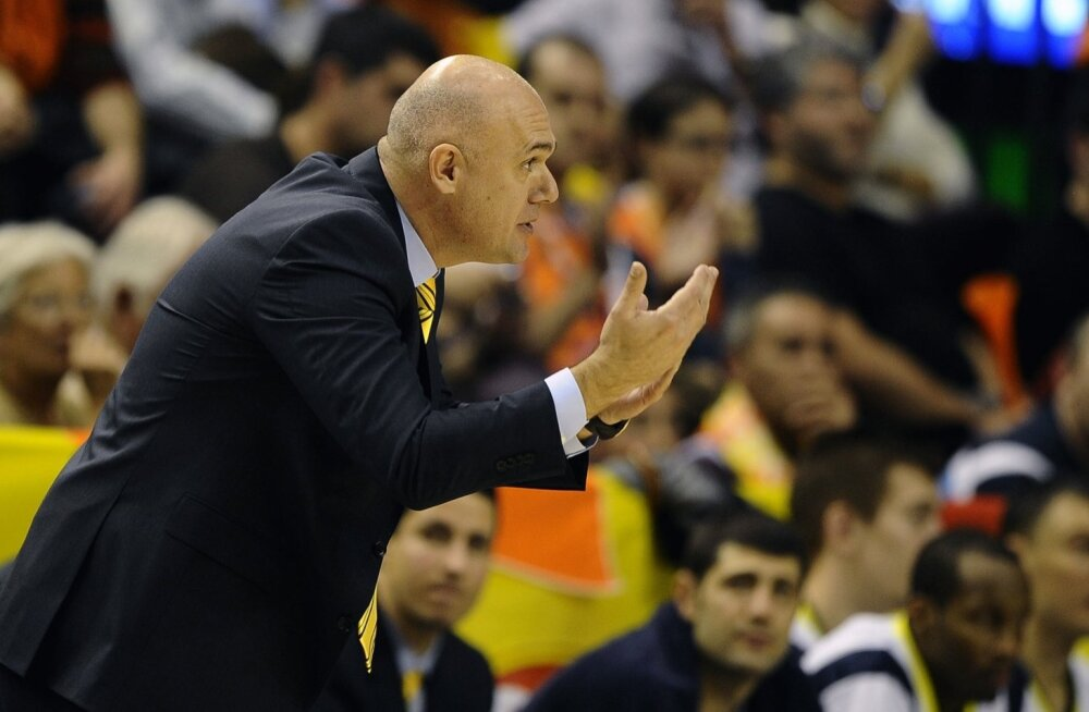 Maccabi peatreener Spahija Neven.