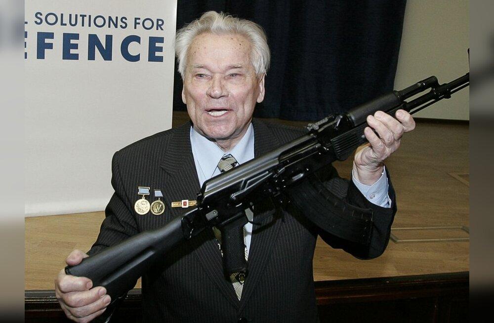 Vene armee lõpetab AK-74 ostmise, Kalašnikovile tervise huvides ei öelda