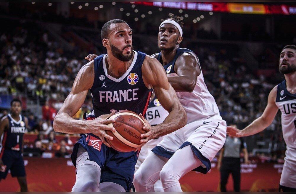 США разучились играть в баскетбол? Позорно проиграли французам