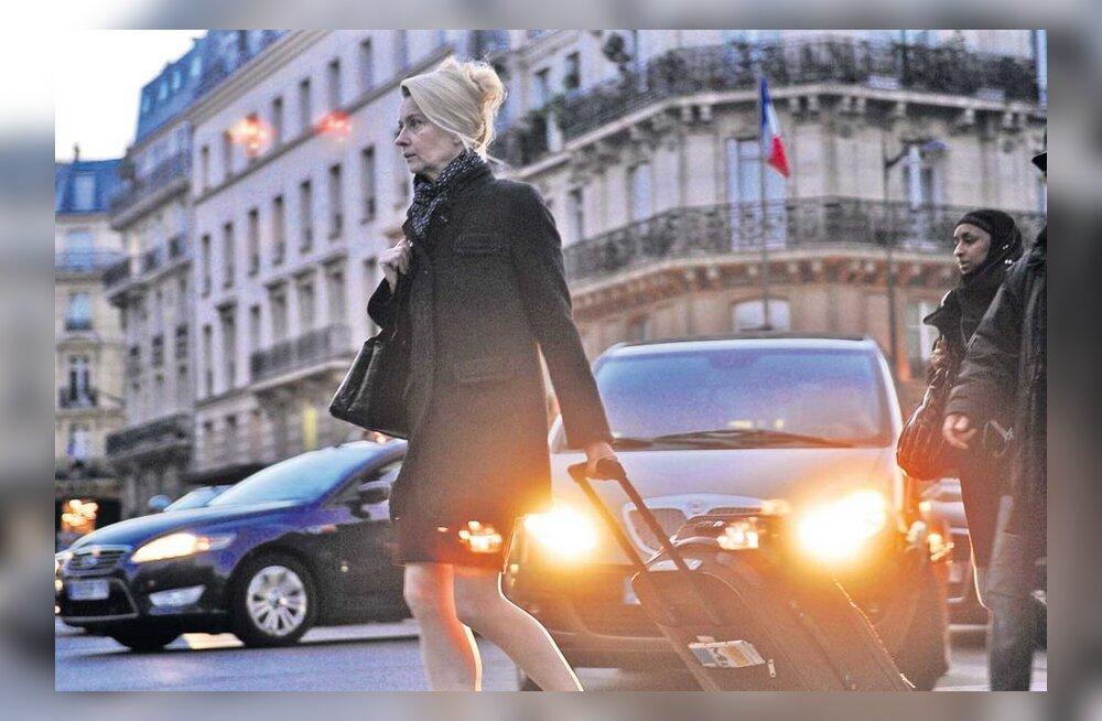 """""""Seenelkäigul"""" on konkurent! """"Eestlanna Pariisis"""" rühib järgi ja noppis magusa auhinna ka!"""