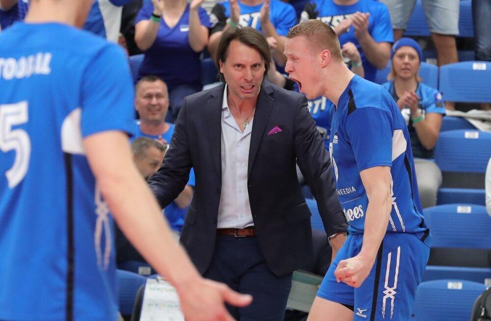 Sinilõvide pealik Gheorghe Creţu näeb võistkonna tugevust pikas pingis ning tahab anda noorematele mängijatele võimaluse karastuda ja mängupingega harjuda.
