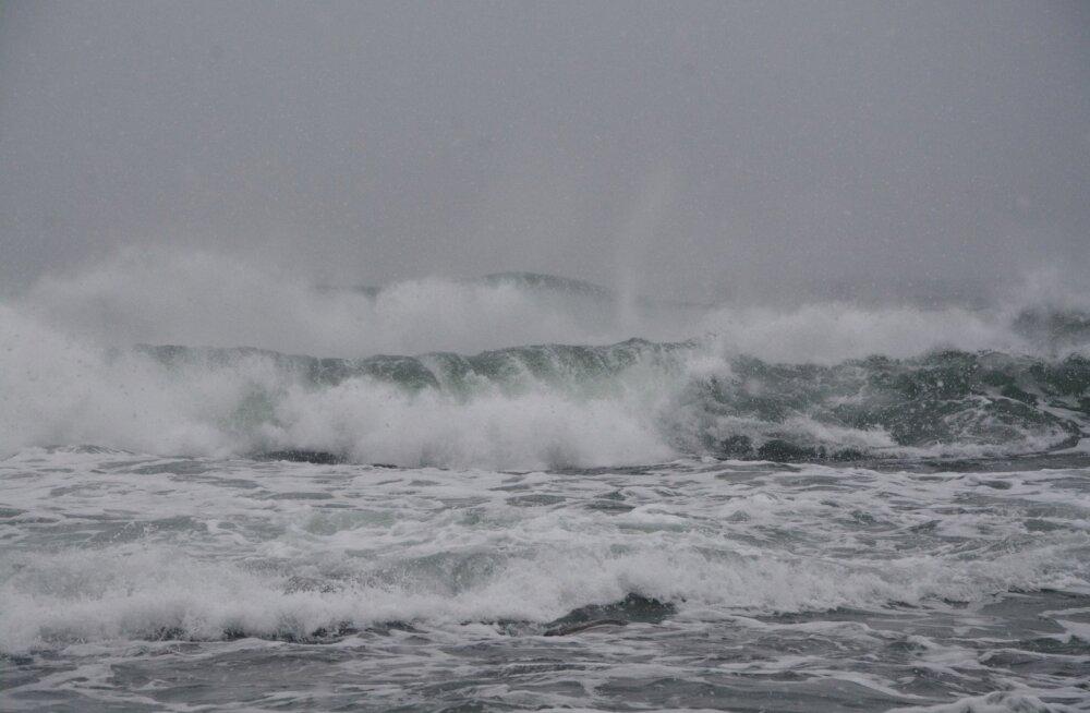 Tormine meri Kalanas