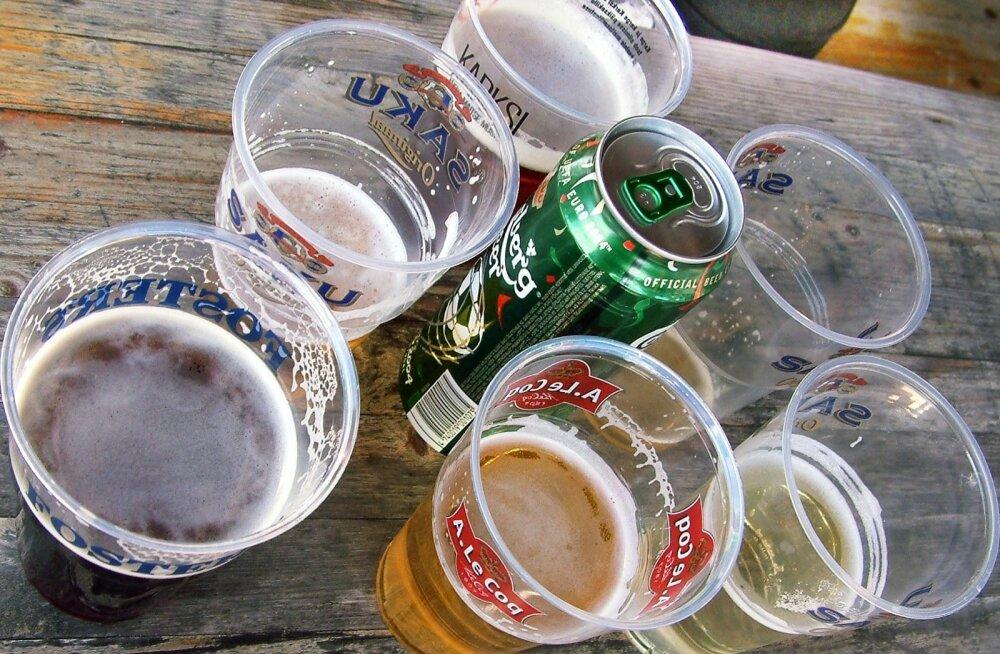 EL plaanib keelustada ühekordsed plasttooted, nende seas ka plastist vatitikud ja joogipakendid