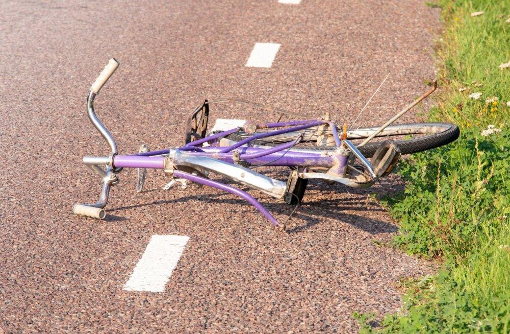 Liiklusõnnetus Saaremaa, Kõljala jalgrattur hukkus