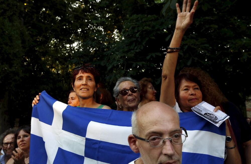 """Bloomberg: Kreeka """"vanaema"""" peab nüüd hääletama raskete tehniliste dokumentide üle, millega maadlevad isegi doktorikraadiga analüütikud"""