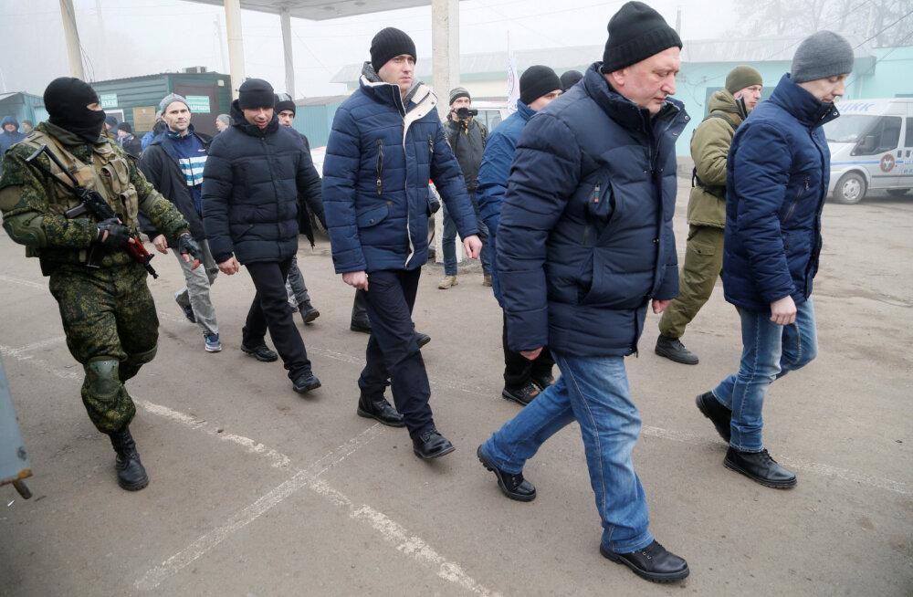 Ukraina asus Moskva toel tegutsevate mässulistega vange vahetama