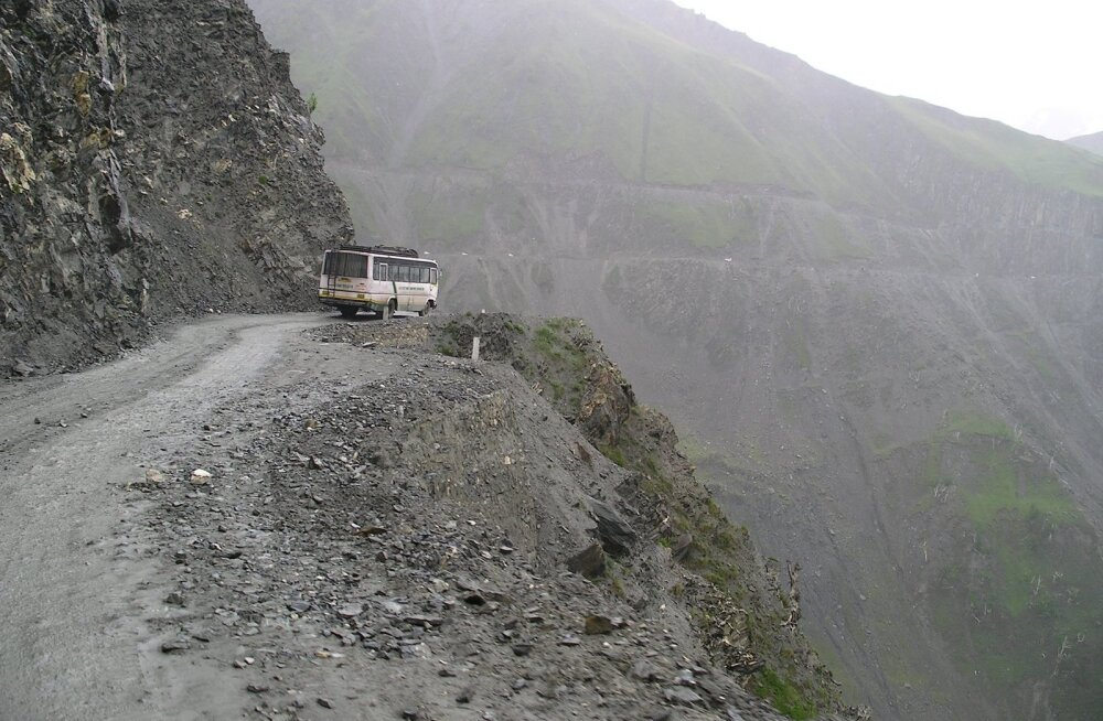 OH ÕUDUST | Need on maailma kõige karmimad ja ohtlikumad maanteed — veab, kui oma sihtkohta kohale jõuad!