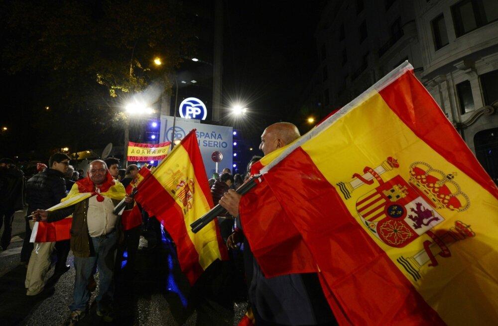 Hispaania killustunud valimistulemused ennustavad vaevalisi koalitsiooniläbirääkimisi