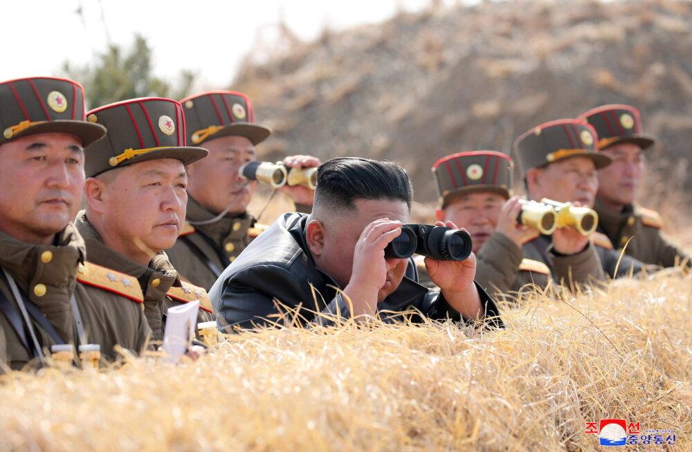 Põhja-Korea ülejooksik: Kim Jong-un võis raketikatsetusel vigastada saada