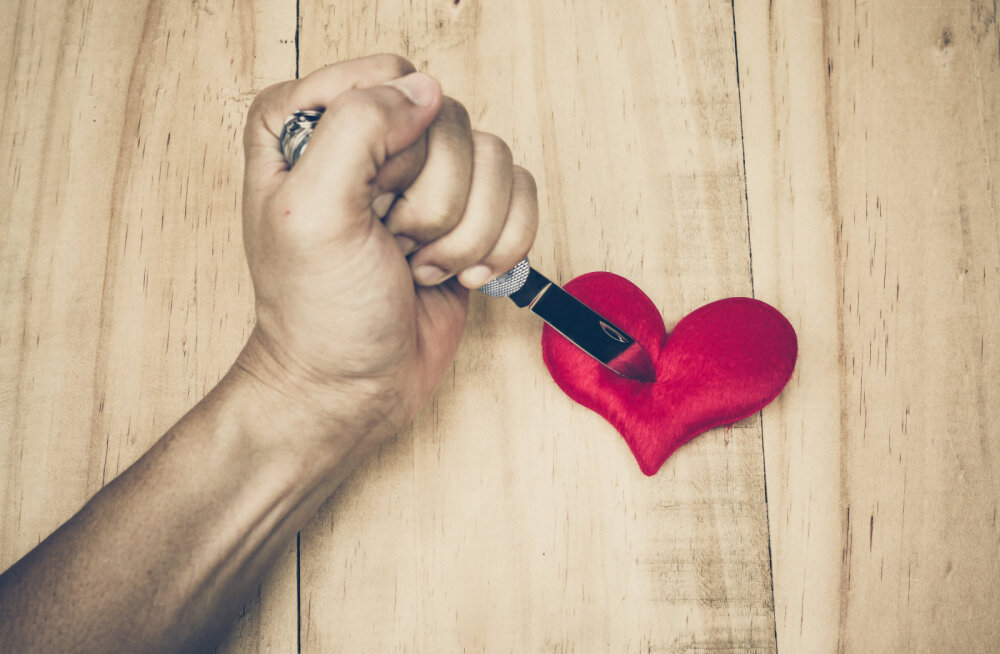 Viha on nagu valuvaigisti, mis võib valu ajutiselt tuimastada, kuid kättemaks partnerile ei too viimast kunagi tagasi