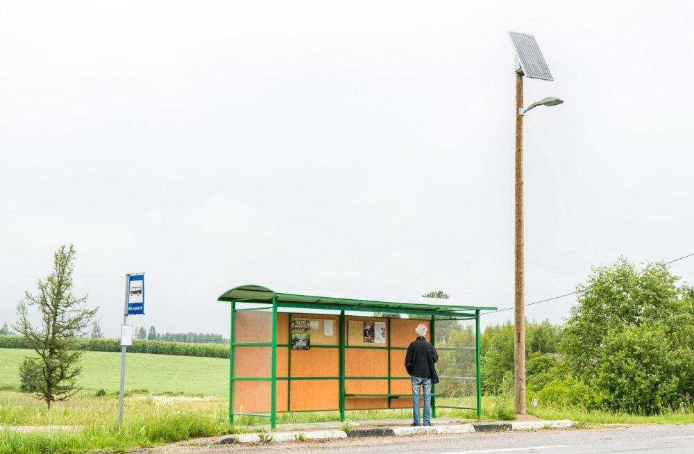 Päikesepaneelid bussipeatuste valgustamiseks