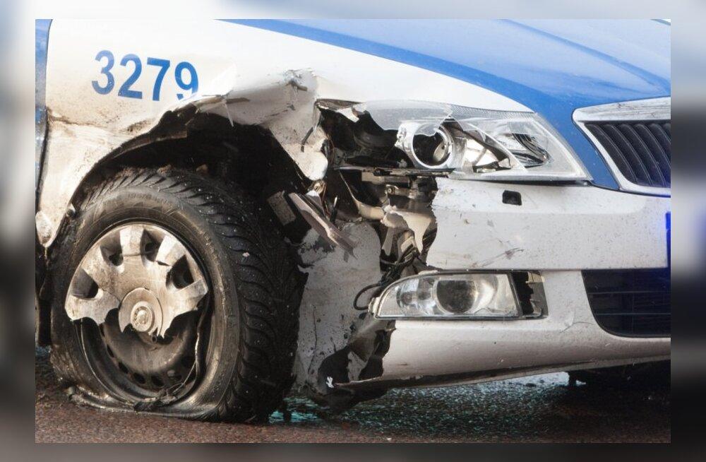 Politsei lõhub hoogsalt oma autosid – eelmisel aastal osales avariis 112 politseiautot