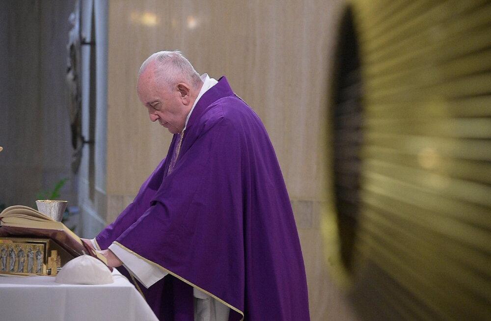 Paavst Franciscus naasis pärast haigust avalikkuse ette