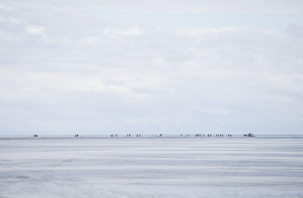Kalurid jäid Peipsil lõksu