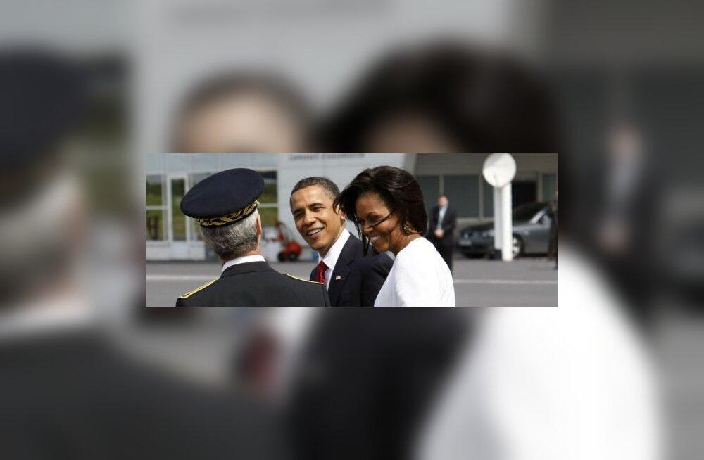 Obamad külastasid Pariisis bistrood