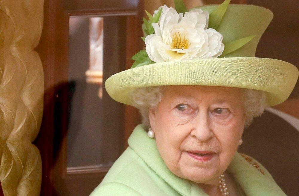 Британская королева утвердила закон о недопущении жесткого Brexit