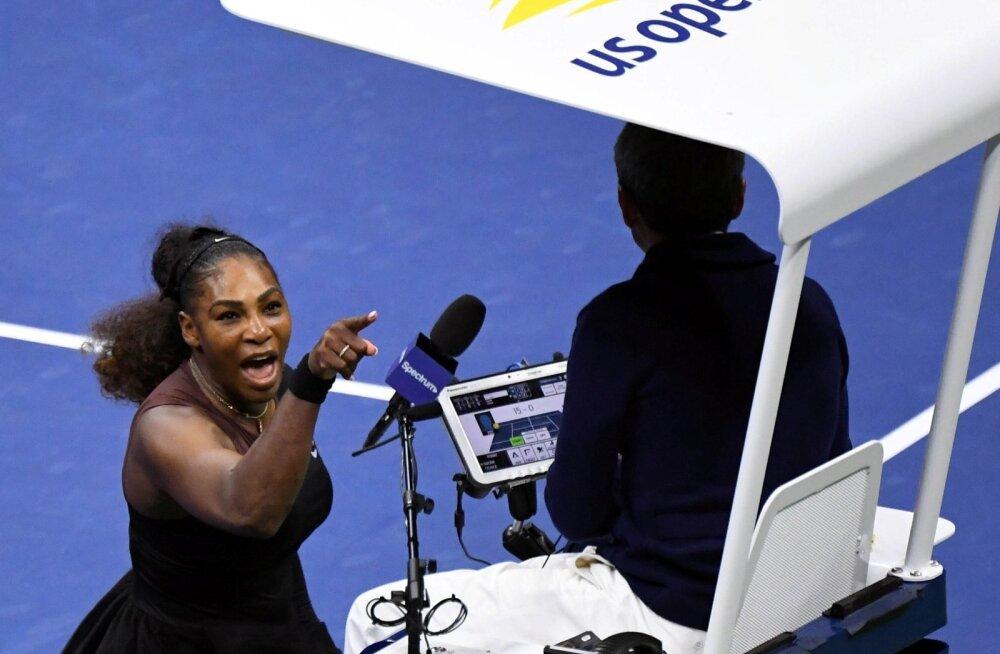 Serena Williams US Openi finaalis end kohtuniku peal välja elamas.