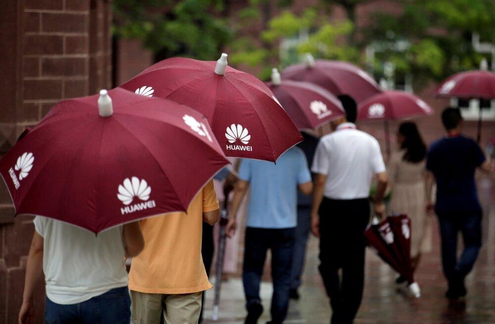 Huawei on USA-Hiina kaubandussõja tõttu sattunud sõna otseses mõttes vihma käest räästa alla.