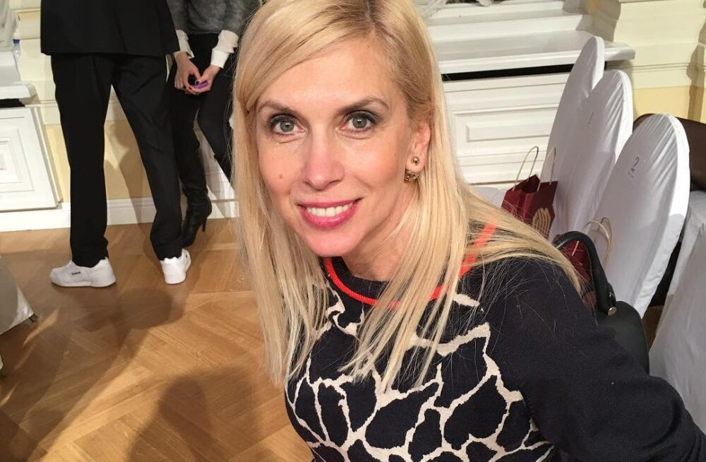 ФОТО: 53-летняя Алена Свиридова удивила фигурой в бикини