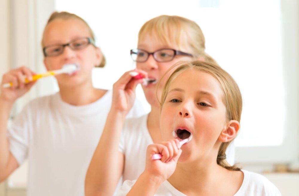 Hambaarst: tooge lapsed kontrolli enne, kui tekivad probleemid
