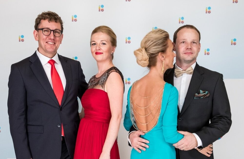 5cf99445b29 Poliitik Arto Aasa abikaasa Katre Aas kandis mullusel ballil Marimo moemaja  kleiti, mis on eest