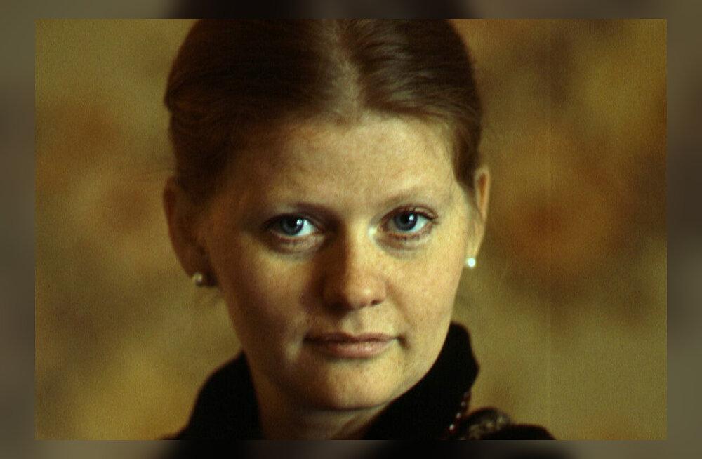 Смерть любимого, неудачи в жизни сына, страх перед родителями: о чем молчала Ирина Муравьева