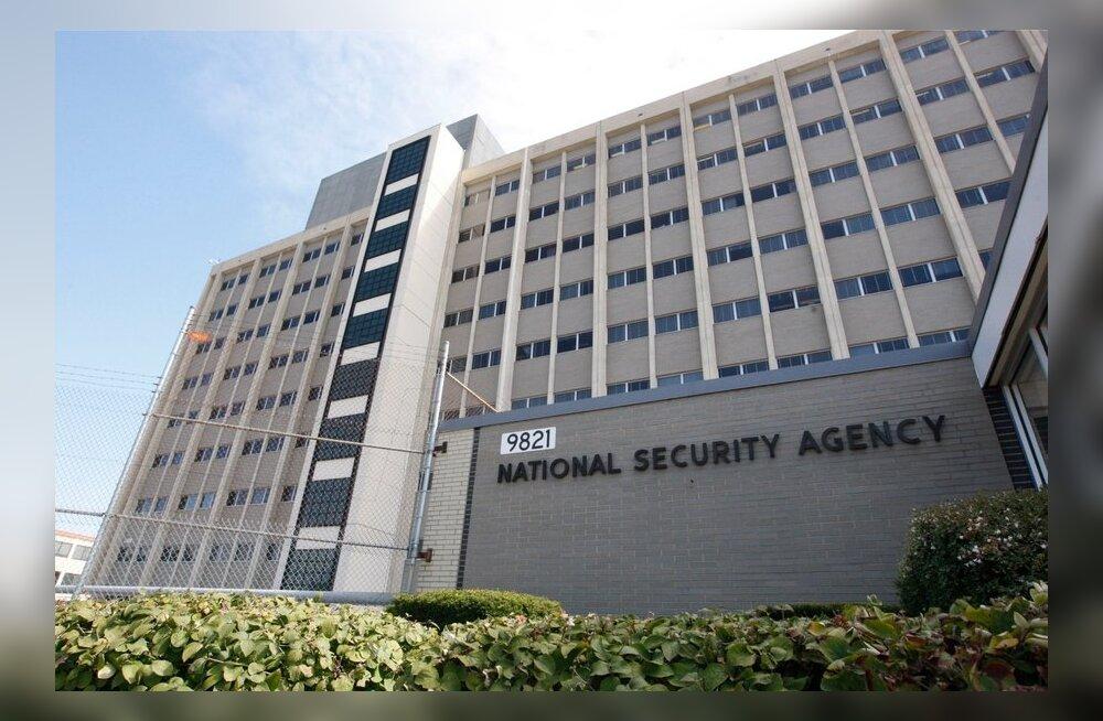 Агентство национальной безопасности США взламывает любые смартфоны, включая надежный BlackBerry