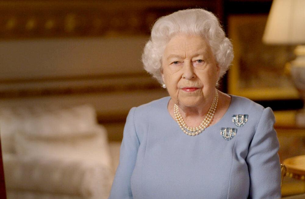 Dokumentaalfilmi autor: kuninganna Elizabeth II puges külalise eest põõsasse peitu
