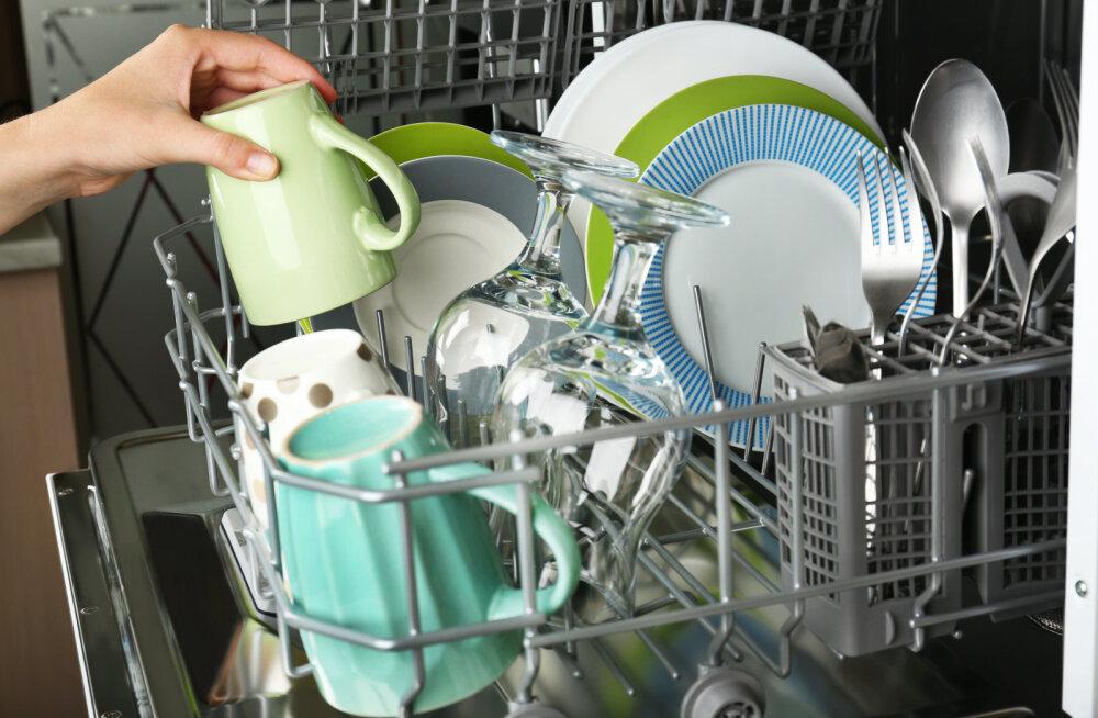 Õpetame selgeks: milliseid hooldustöid pead kindlasti tegema, et külmik, pesu- ja nõudepesumasin töötaksid?